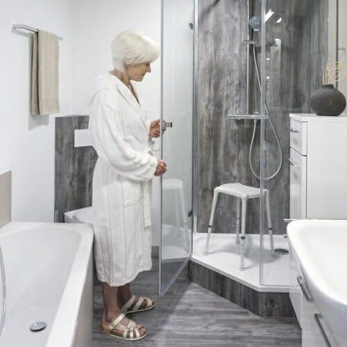 Sgabello per doccia Aquatec Dot INVACARE