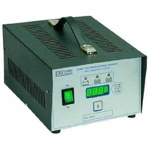 03009019 Caricabatteria per batterie oltre 60 Ah professionale 24V 10 Ah