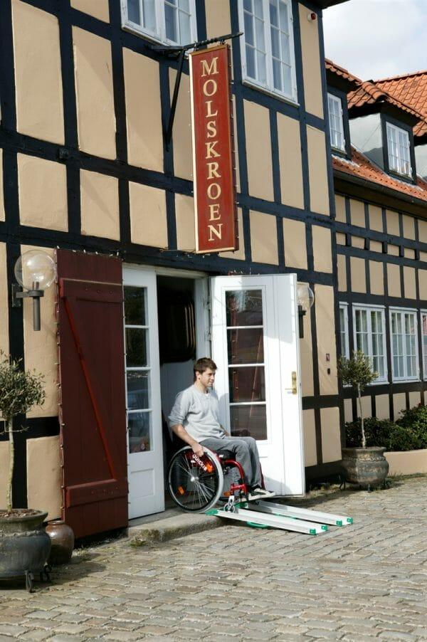 Rampa per disabili fissa 8
