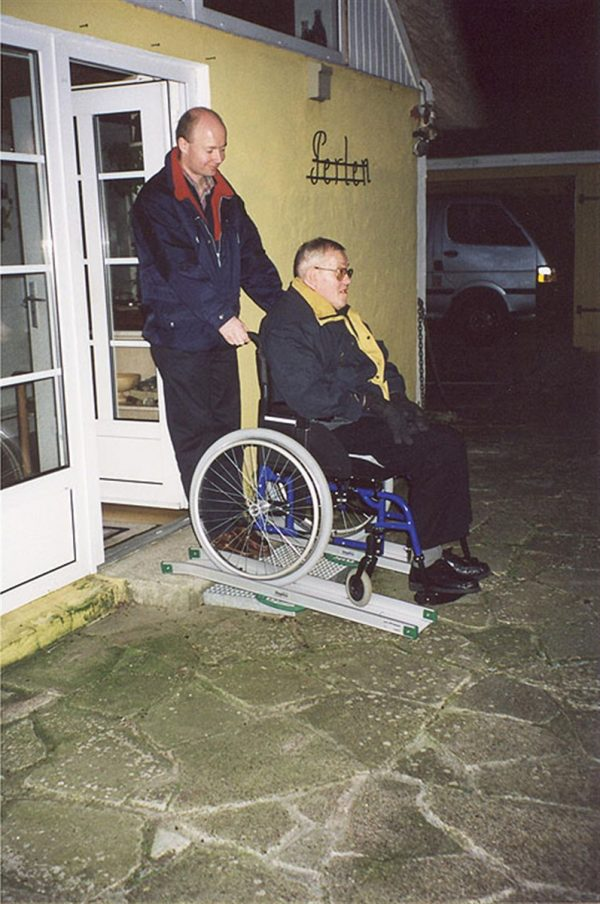 Rampa per disabili fissa 4