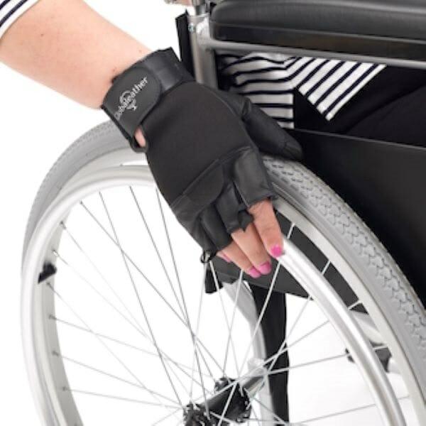 Guanti per carrozzina disabili Allmobility
