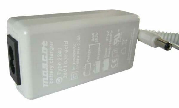 03016002 Caricabatterie per sollevatore