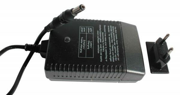 03148001 Caricabatterie 24 V 1 Ah DC per vani batterie da cablare